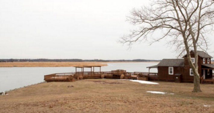 Boathouse and Deck at Eagle Manor