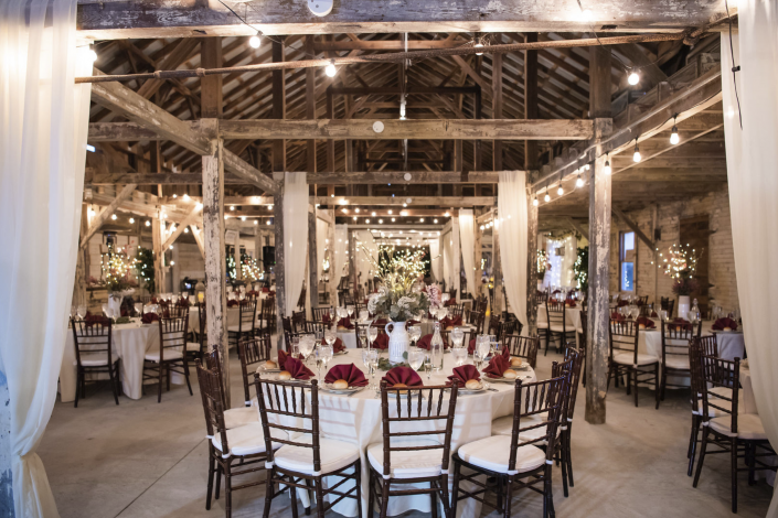 Eagle Manor Rustic Barn with Circular Tables